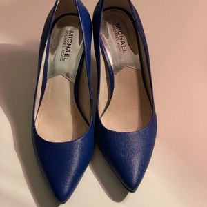MK blue pointed heels